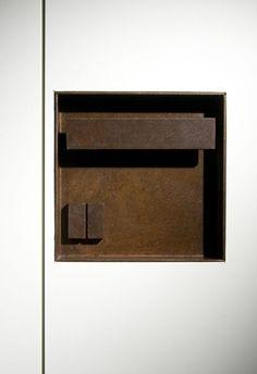 Door handle at House O by Alvisi Kirimoto + Partners via Julia Uy-Cea