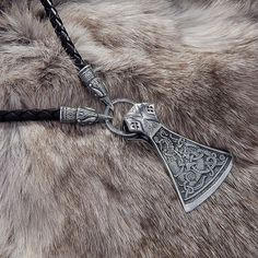 nice Viking Necklace with the Sterling Silver Mammen Axe and Leather Braided cord with Wolves, Ravens or Bears heads . by post_link Ursa Major, Wolf Warriors, Viking Axe, Viking Jewelry, Bone Carving, Norse Mythology, Schmuck Design, Men Necklace, Sterling Silver Pendants