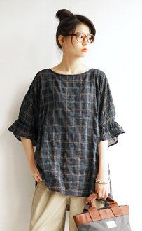 e-zakkamania stores   Rakuten Global Market: I send it with tunic mannish checked pattern three kinds! The frill errand that is casual to an oversilhouette point ♪ Lady's tops big silhouette over size short sleeves half-length sleeves relaxedly ◆ zootie (zoo tea): Benjy check frill cuff tunic