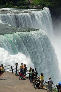 Niagara falls artist credit to Jeny