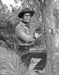 CHEYENNE - Season Four - Clint Walker , Get premium, high resolution news photos at Getty Images Clint Walker Actor, Cheyenne Bodie, Cowboy Girl, Western Cowboy, Tv Westerns, Western Movies, Country Boys, Rare Photos, Celebrity Photos