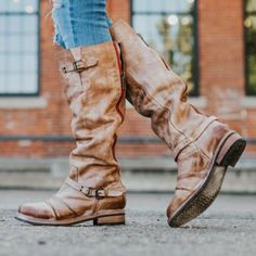 From relaxed to really attractive, try on-trend mid-calf footwear with exclusive designs and styles you are sure to completely love. #Brownanklebootsoutfit Flat Boots, Knee High Boots, Shoes Heels Boots, Heeled Boots, Women's Boots, Brown Ankle Boots Outfit, Baskets, Buckle Boots, Fashion Boots