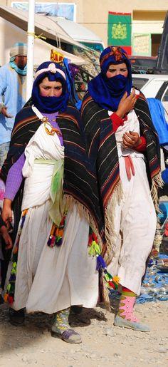 Young women wearing the typical handira of the Ait Haddidou tribe -                  ..beyondmarrakech.blogspot.com