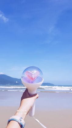 Image discovered by Shua Svt. Find images and videos about beach, view and carat bong on We Heart It - the app to get lost in what you love. K Pop, Ulzzang, Carat Bong, Grunge, Seventeen Album, Seventeen Wallpapers, Diamond Life, Fandom, Chinese