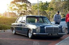 Cape Stance #benzday #mercedesw114 #lowcal #living_low #ClassicCars