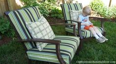 Sew Easy Outdoor Cushion Covers (Part How to sew outdoor cushions the easy way! Recover Patio Cushions, Outdoor Cushions, Outdoor Chairs, Chair Cushions, Camper Cushions, Green Cushions, Outdoor Spaces, Furniture Covers, Furniture Makeover