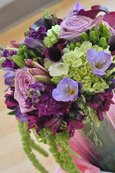 36 best Purple and green wedding floral ideas images on Pinterest in ...