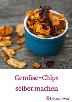 Wir zeigen dir Tipps und Rezepte, mit denen du deine eigenen Gemüse-Chips kochen kannst.