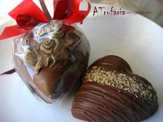 Chocolate Shop, Chocolate Treats, Chocolate Lovers, Chocolates, Easter Holidays, Easter Crafts, Muffin, Ice Cream, Pudding