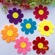Risultati immagini per classroom flowers Diy Classroom Decorations, School Decorations, Classroom Themes, Class Decoration Images, Diy And Crafts, Crafts For Kids, Arts And Crafts, Applique Patterns, Free Coloring