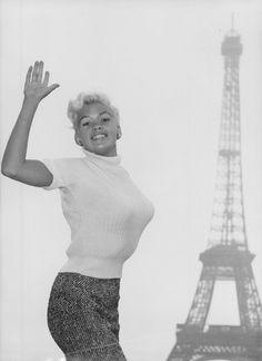Jayne Mansfield, Norma Jean, Bombshells, Paris, Marilyn Monroe, Movie Stars, Candid, Ballet Skirt, Hollywood