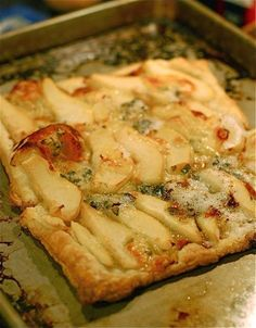 Pear Recipes, Fruit Recipes, Cheese Recipes, Real Food Recipes, Soup Recipes, Cooking Recipes, Yummy Recipes, Hot Cheese Dips, Cheese Dishes