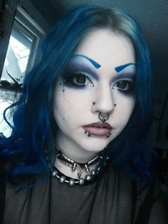 Beauties with strong personality and expression and stretched septum rings from Feel free to submit your own facial pictures to express yourself. Septum Piercing Girl, Double Nostril Piercing, Dimple Piercing, Face Piercings, Smiley Piercing, Piercings For Girls, Facial Pictures, Scene Girls, Body Modifications