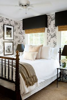 20 Best and Beautiful Farmhouse Small Master Bedroom Design And Decor Ideas - Awesome Indoor & Outdoor Home Decor Bedroom, Chic Bedroom, Bedroom Decor Inspiration, Master Bedrooms Decor, Bedroom Decor, Small Master Bedroom, Modern Farmhouse Master Bedroom, Farm House Living Room, Home Decor