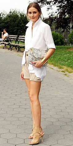 It Only Costs How Much?! Stars Who Love a Bargain | OLIVIA + JOY BAG  | This, people, is why Olivia Palermo is known as the queen of high-low style. She pairs a $78 python-print bag with nude Aquazzura sandals that are six times more expensive.