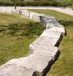 15–Bank-seating-from-reclaimed-stone-copyright-Townshend-Landscape-Architects « Landscape Architecture Works | Landezine