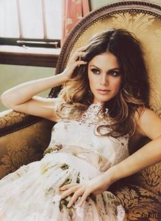 How to Style with Chic + Sweet Eyelet... Rachel Bilson