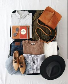 Fashion flatlay, packing tips, travel packing, weekend packing, travel Travel Flatlay, Fashion Flatlay, Photo Pour Instagram, Weekend Packing, Packing Tips, Travel Packing, Travel Backpack, Smart Packing, Travel Tips