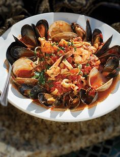 Nadire Atas on Seafood Pasta Daniel's Seafood Fra Diavolo, my all time favorite Italian dish, from my favorite Italian restaurant! Fish Recipes, Seafood Recipes, Cooking Recipes, Recipies, Seafood Pasta, Seafood Dinner, Italian Dishes, Italian Recipes, Soup And Sandwich