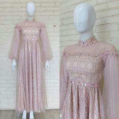 Gaun Dress, Dress Brukat, Hijab Dress Party, Kebaya Dress, Dress Pesta, Batik Dress, Dress Outfits, Fashion Dresses, Dress Muslim Modern