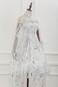 Lost Angel -The Starry Night- Lolita Cape (Gauze Version),Lolita Dresses, Pretty Outfits, Pretty Dresses, Beautiful Dresses, Cute Outfits, Old Fashion Dresses, Fashion Outfits, Lolita Gothic, Kleidung Design, Fantasy Gowns