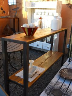 Barra hierro y madera Decor, Industrial Table, Tiny Living Rooms, Furniture, Interior, Tiny Living, Dining Table, Entryway Tables, Home Deco