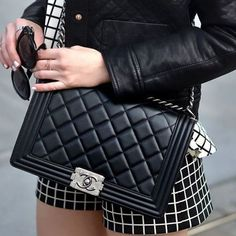 A Chanel handbag is anticipated to get trendy. So how could you get a Chanel handbag? Luxury Bags, Luxury Handbags, Chanel Boy Bag, Black And White Style, Chanel Handbags, Leather Handbags, Chanel Black, Cloth Bags, Fashion Bags