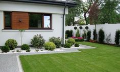 9 Beautiful Backyard Ideas for Small Yards – Garden Ideas 101 Modern Garden Design, Backyard Garden Design, Contemporary Garden, Garden Landscape Design, Back Gardens, Small Gardens, Outdoor Gardens, Outdoor Landscaping, Front Yard Landscaping