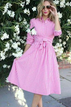 Can't go wrong with a gingham dress! Modest Dresses, Cute Dresses, Vintage Dresses, Summer Dresses, Preppy Mode, Preppy Style, Modest Fashion, Fashion Outfits, Womens Fashion
