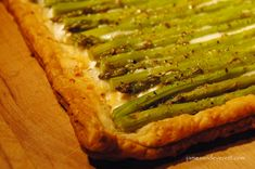 A classic French treat, this savory tart is perfect for an appetizer, lunch, or dinner. Full of flavor and easy to make, this asparagus and goat cheese tart is a stunning treat for any occa. Asparagus Tart, How To Cook Asparagus, Cheese Tarts, Goat Cheese, Cream Cheese Puff Pastry, Savory Tart, Creamy Cheese, How To Make Salad, Hot Dog Buns