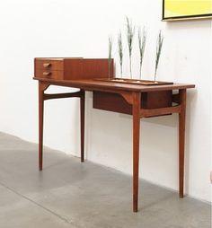 Mid century table teak