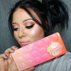 New video on my #youtube link in the bio! 🍑🍑🍑 @toofaced 🍑sweet peach palette 🍑 sparkling bellini blush 🍑 sweet tea bronzer #makeup #makeupaddict #makeupjunkie #makeuplover #instabeauty #beauty #followme #mua #makeupartist #motd #beautyblogger #beautyblog #beautyguru #beautyinfluencer #tattoos #girlswithtattoos #girlswithtats #tatted #girlswithink #inked #inkedgirl #ink #cosmetics #sweetpeach #sweetpeachpalette