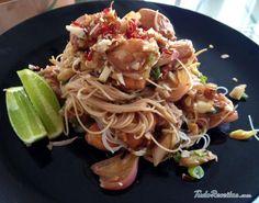 Receita de Pad thai tailandês com frango e tamarindo