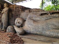 Sri-Lanka - Polonnaruwa Gal Vihariya, Bouddha gisant