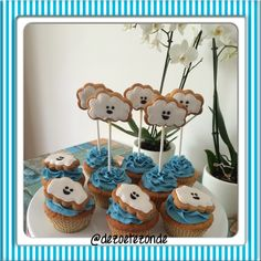 Cloud cupcakes en biscuits
