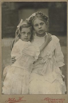 +~+~ Vintage Photograph ~+~+  Sweet Siblings (Iluska and Manci) 1910 ~ Hungary