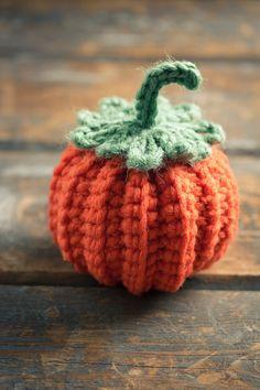 Cute Crocheted Mini Pumpkin, Halloween crochet for home decorating Thanksgiving Crochet, Holiday Crochet, Crochet Home, Crochet Crafts, Yarn Crafts, Crochet Fall Decor, Decor Crafts, Diy Crafts, Crochet Pumpkin Pattern
