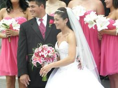 A brightly coloured bouquet for the bride really makes her dress pop and draws a lot of attention to her.
