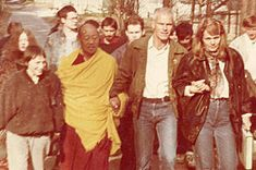 Hannah und Lama Ole Nydahl mit Lopön Tsechu Rinpoche 1991 in der ehemaligen Sowjetunion + Gabi --- Lama Ole Nydahl: Zur Person