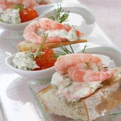 Itsenäisyyspäivän menu x 2 - Kotiliesi. Best Party Appetizers, Appetizer Recipes, Shrimp Toast, Skagen, Prawn, Fresh Rolls, Deli, Gourmet Recipes, Cooking Tips
