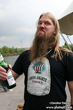 Ladies, Gentlemen, boys and Girls, mr Johan Hegg!!!