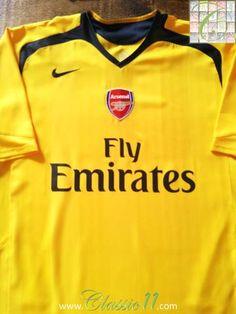 Relive Arsenal's 2006/2007 season with this original Nike away football shirt.