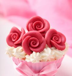 Cupcake of Red Roses! | Birthday Cupcakes, Flower Cupcakes | Beautiful Cake Pictures