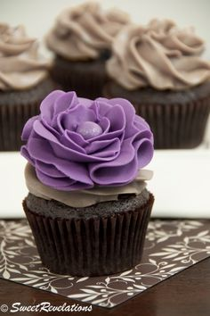 Chocolate Vanilla Bean LatteCupcakes w/ Fondant Ruffle Flowers