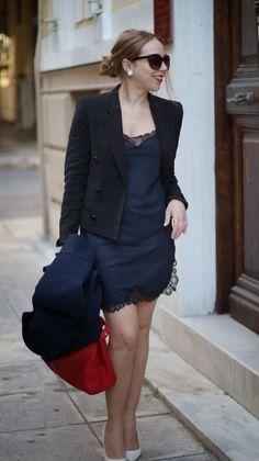 <Slip on> post  slip dress//black blazer//blue jacket//red bag//white heels