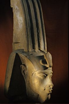 Head of colossal statue of Akhenaten; Karnak; Aten Temple; Amenhotep IV.