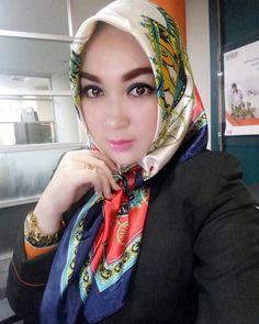https://flic.kr/p/Wdsyki | Headscarf