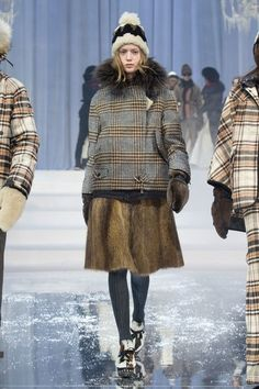 View the full Moncler Grenoble Fall 2017 ready-to-wear collection.