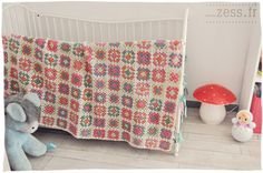 Crochet and Interior Design Ideas From France! As soon as I saw these crochet… Plaid Au Crochet, Crochet Granny, Crochet Home, Love Crochet, Crochet Baby, Diy Crochet, Crochet Ideas, Crochet Projects, Nursery Accessories