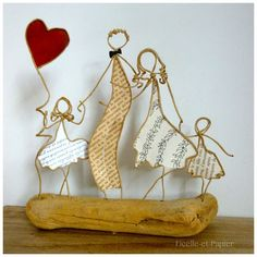 love and tenderness - love and tenderness – Original and customizable creations: string and paper figurines for all occ - Sand Crafts, Driftwood Crafts, Diy Crafts For Gifts, Wire Crafts, Hobbies And Crafts, Crafts To Sell, Arts And Crafts, Wire Art Sculpture, Sculptures